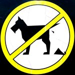 Hundeverbotsschild im Stubaitail