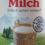Ausschnitt von der Vorderseite einer Buttermilchverpackung von Müller Milch - Gebirge